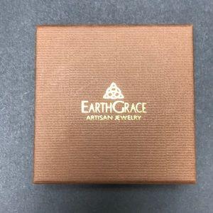 Earth Grace box for bracelet